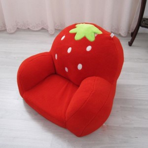 Bàn ghế dâu tây cực yêu cho bé 3